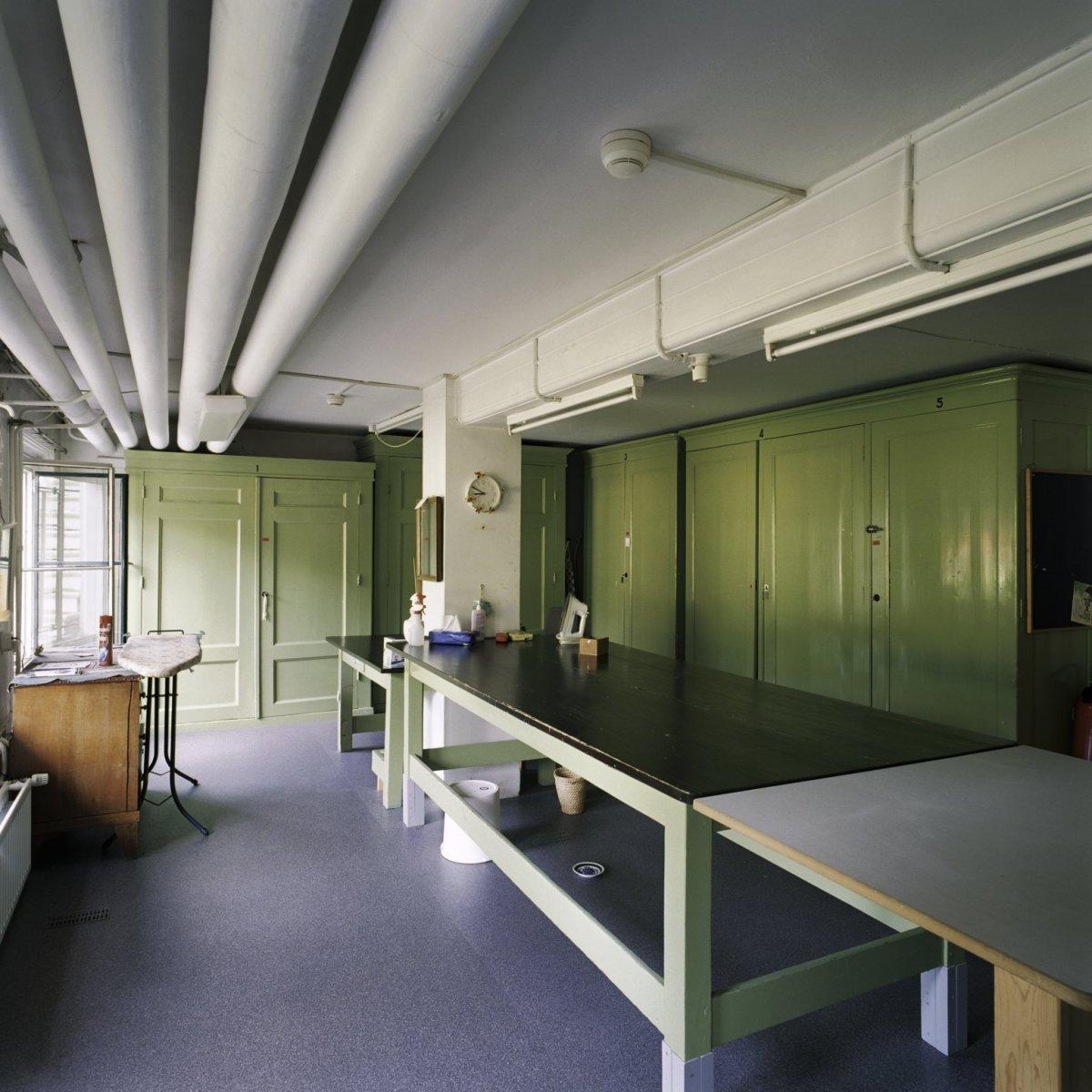 File interieur overzicht van de linnenkamer in het - Makers van het interieur ...