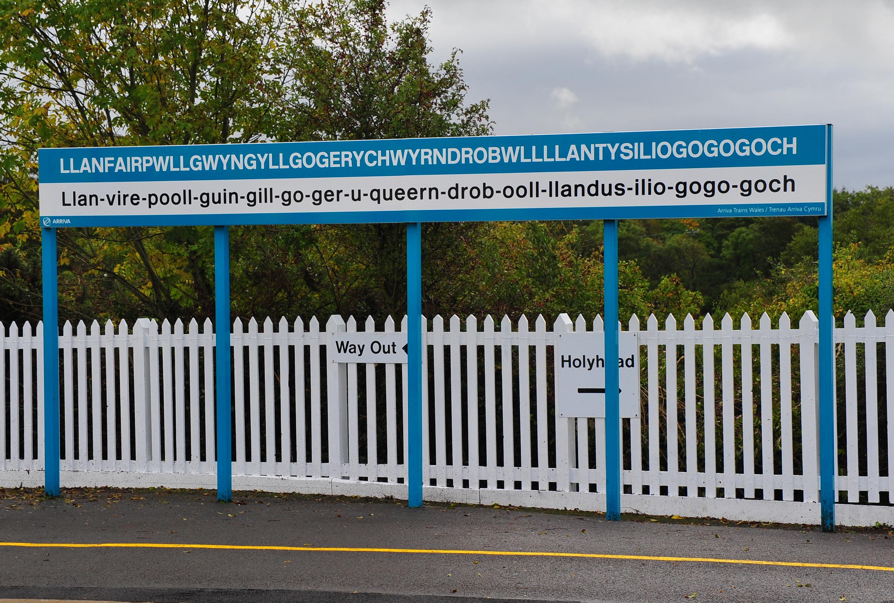 http://upload.wikimedia.org/wikipedia/commons/b/bc/Llanfairpwllgwyngyllgogerychwyrndrobwllllantysiliogogogoch-railway-station-sign-2011-09-21-GR2_1837a.JPG