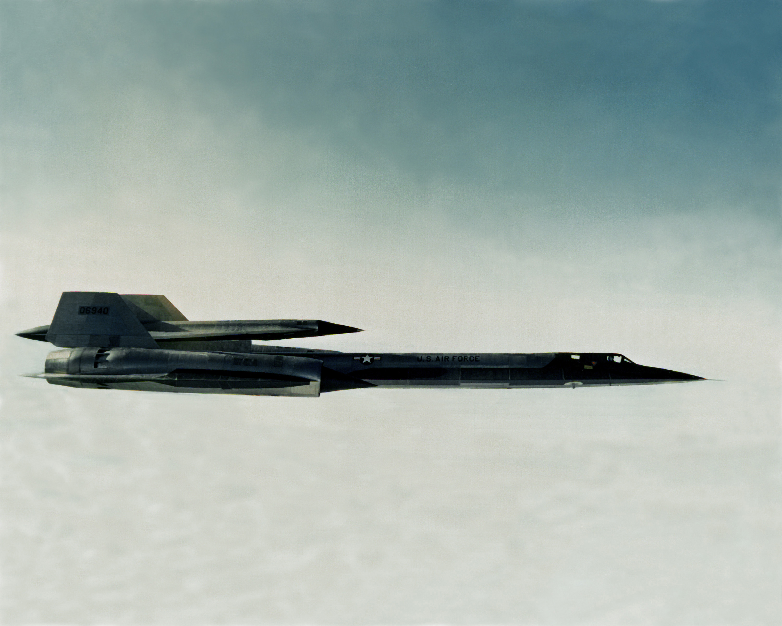 sr 71 with drone with File Lockheed M 21 With D 21 Drone In Flight C1965 on Ufo Special Reports Black Triangles moreover  as well 737863 likewise Museum Of Flight Lockheed M 21 Blackbird The Cia Spy Drone Mothership moreover Declassified Sr 71 Mix.