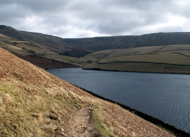 Looking to the east arm of Kinder Reservoir - geograph.org.uk - 712619
