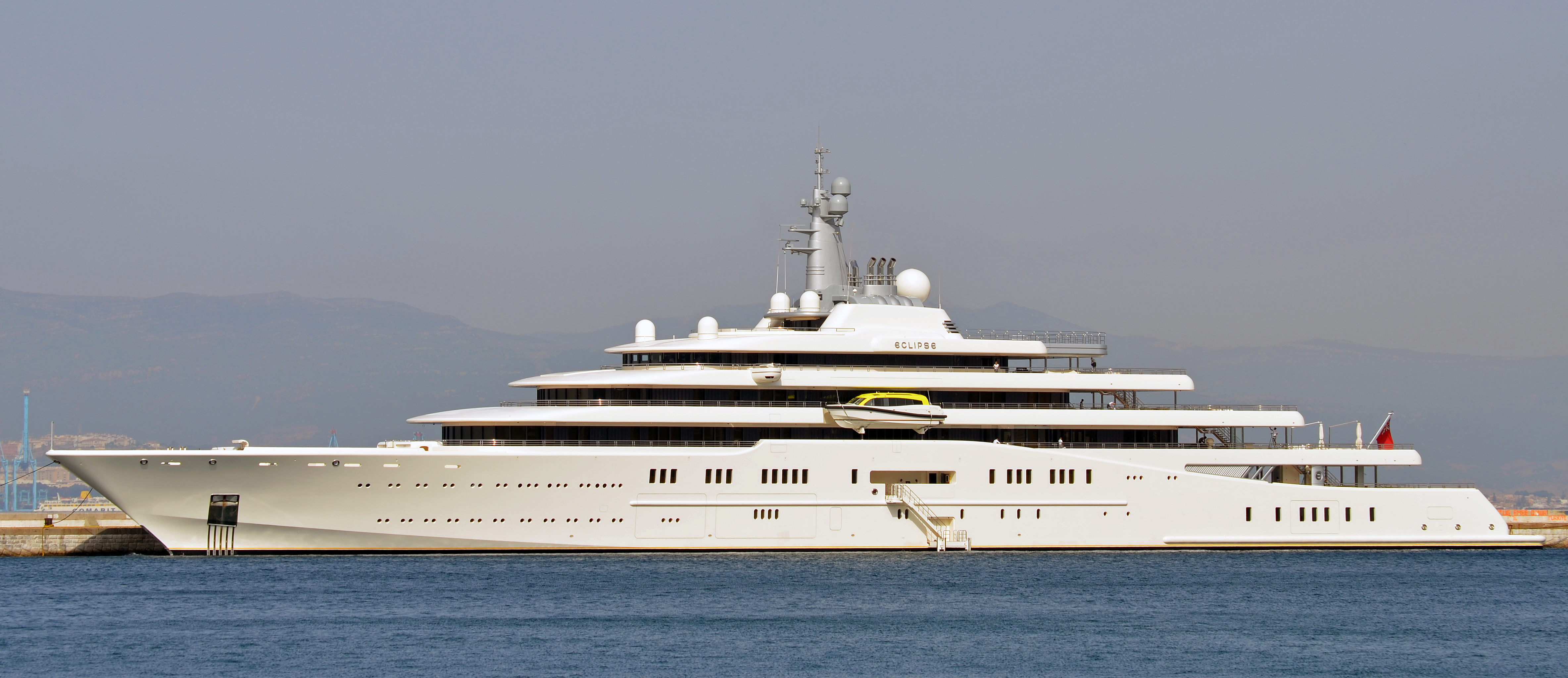 Rene Benko Wikipedia: File:MY Eclipse Superyacht Berthed At The Detached Mole