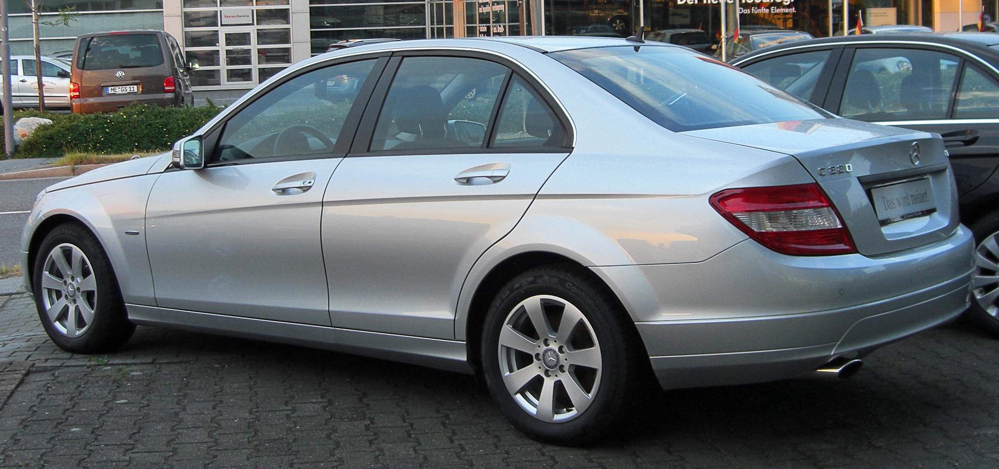 File:Mercedes C 200 CDI BlueEFFICIENCY Classic (W204) rear ...