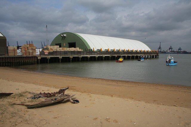 Navyard Wharf, Harwich - geograph.org.uk - 749035
