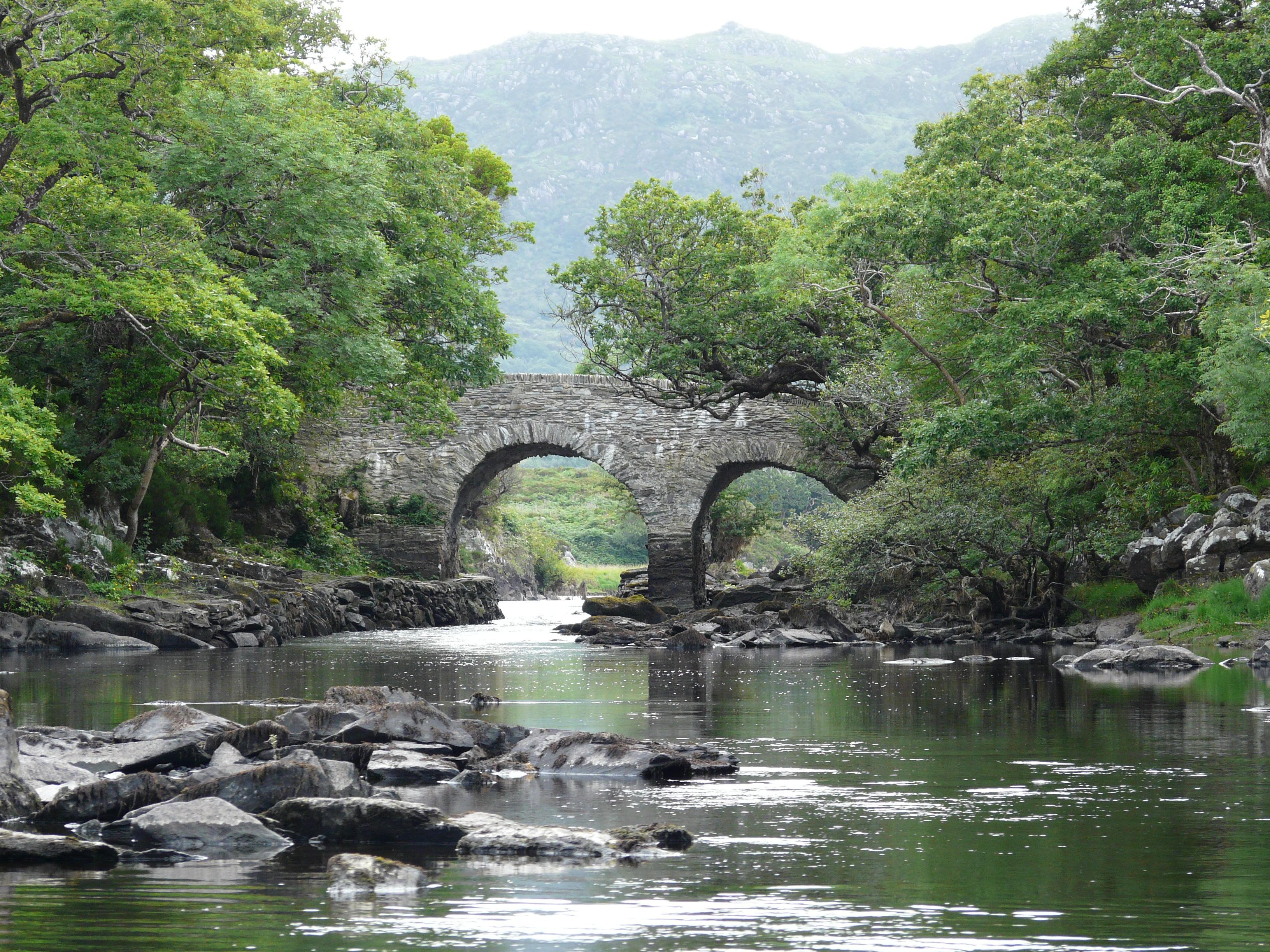 File:Old Weir Bridge, Killarney National Park.jpg - Wikimedia Commons