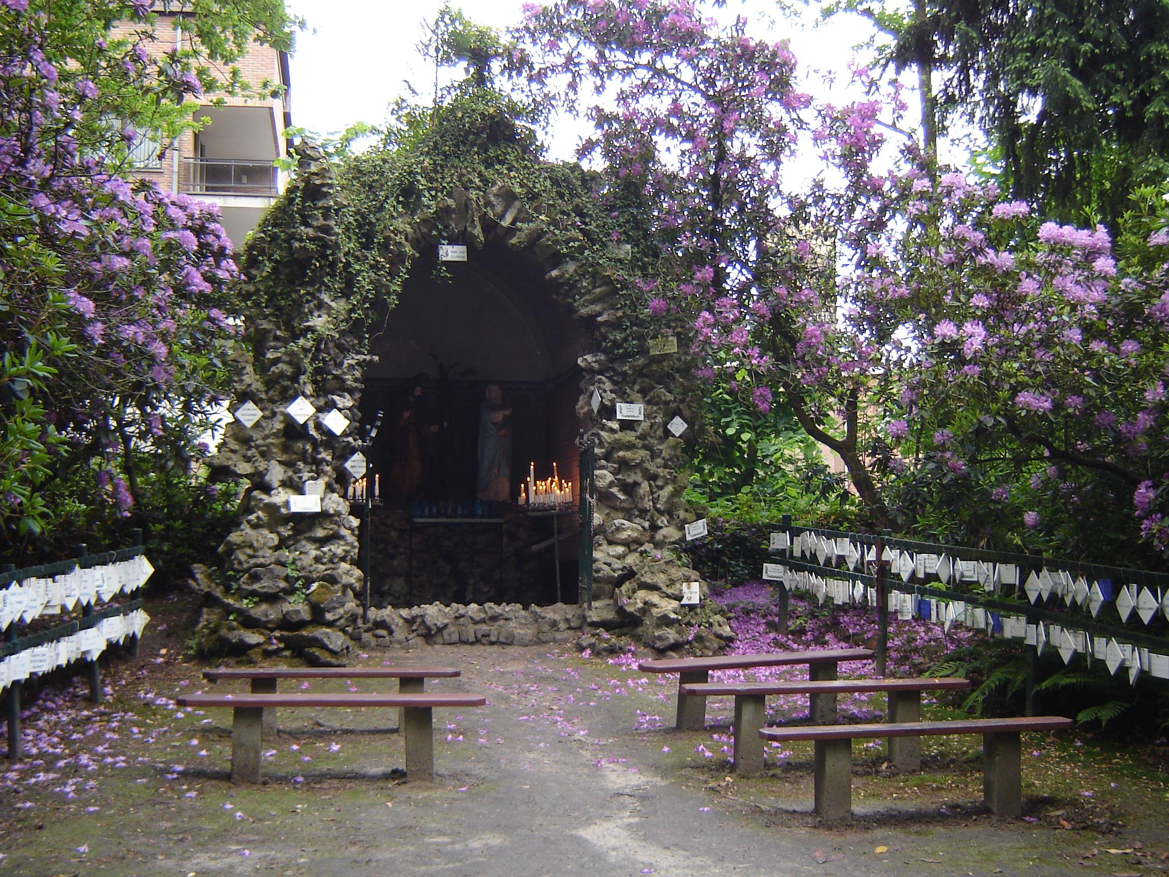 Description Oostakker - Mariagrot Oostakker-Lourdes 3.jpg