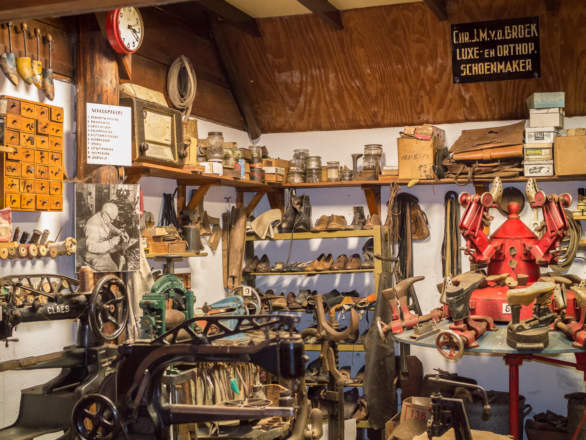 File:Openluchtmuseum Ellert en Bammert te Schoonoord - Interieur ...