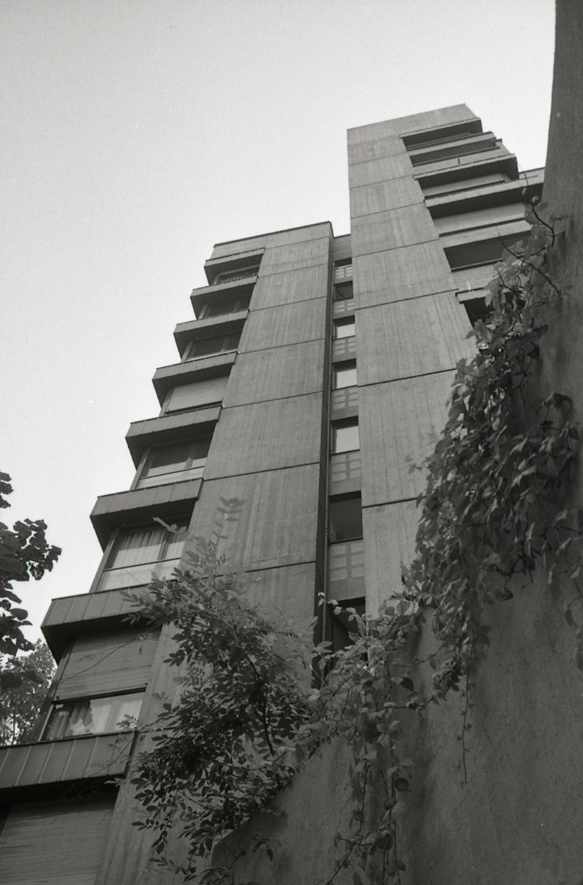File paolo monti servizio fotografico milano 1965 for Via magistretti milano