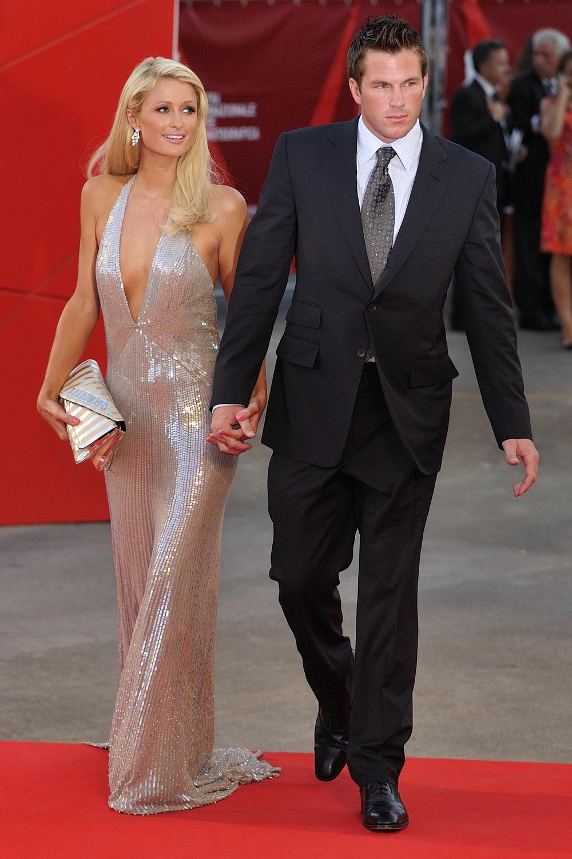 File:Paris Hilton, Dou...