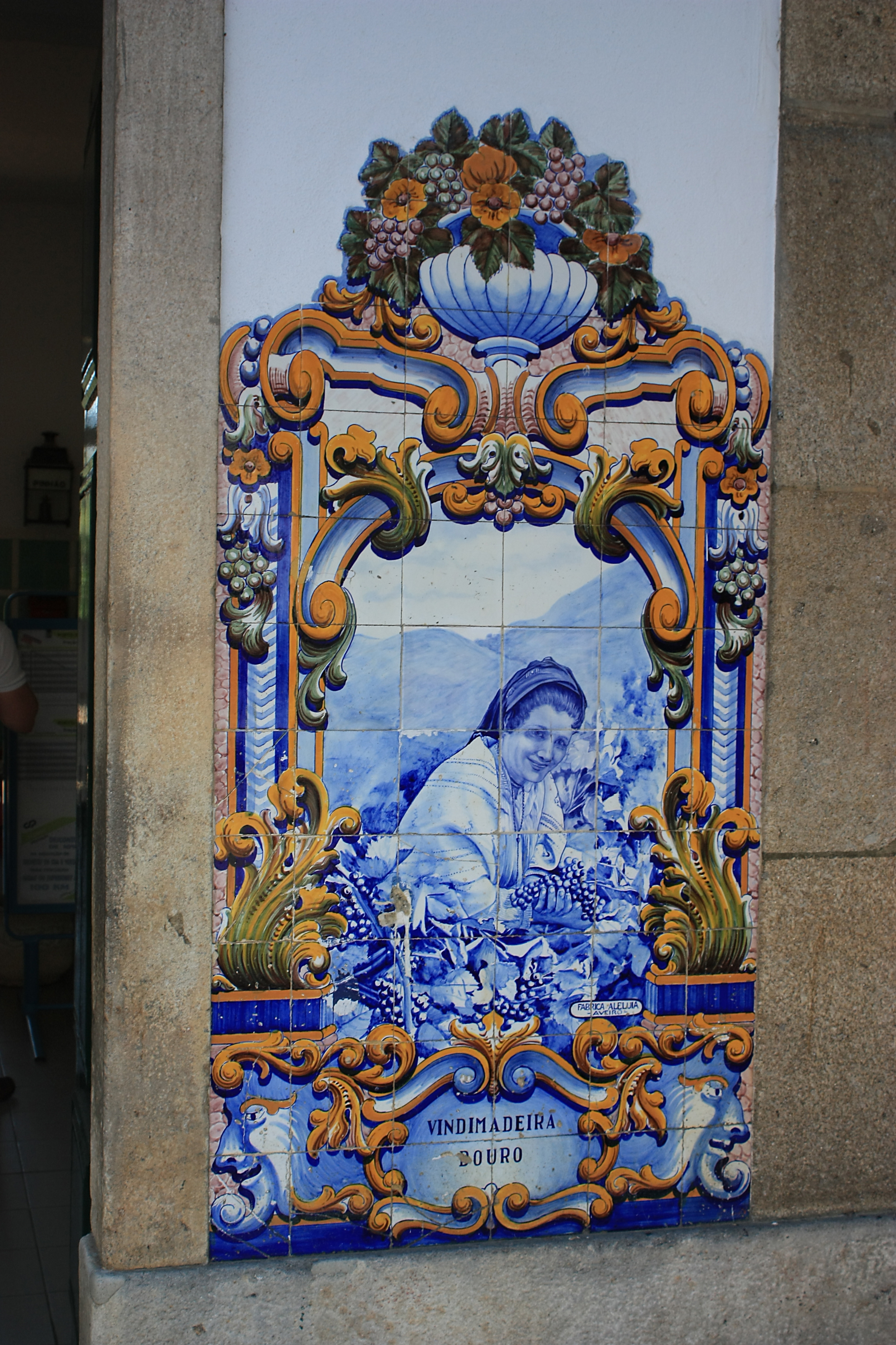 File pinhao azulejos wikimedia commons for Fliesen portugal