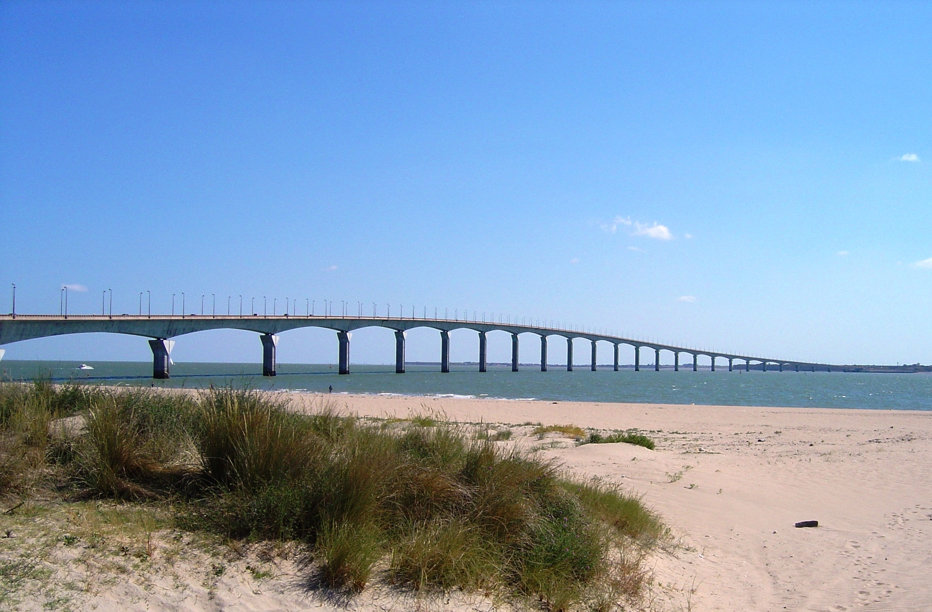 bridge to the Ile de Re