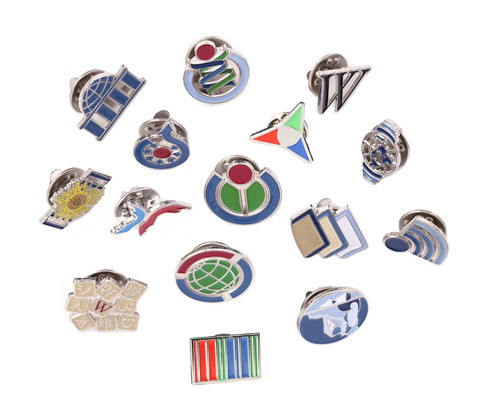 Arts,crafts & Sewing 2019 New Style U.s.a Canada Friendship Flag Metal Pin Badges For Clothes In Badges Button On Brooch Plating Brooches For Jewelry Neither Too Hard Nor Too Soft