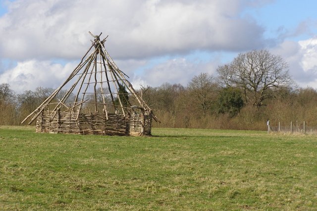 Replica ancient roundhouse, Testwood Lakes nature reserve - geograph.org.uk - 344260