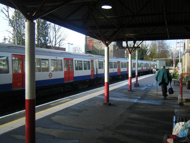 Rickmansworth Station - geograph.org.uk - 1592050