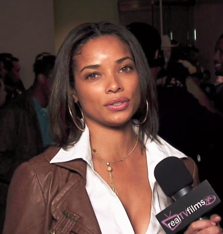 The 42-year old daughter of father (?) and mother(?) Rochelle Aytes in 2018 photo. Rochelle Aytes earned a  million dollar salary - leaving the net worth at 3 million in 2018