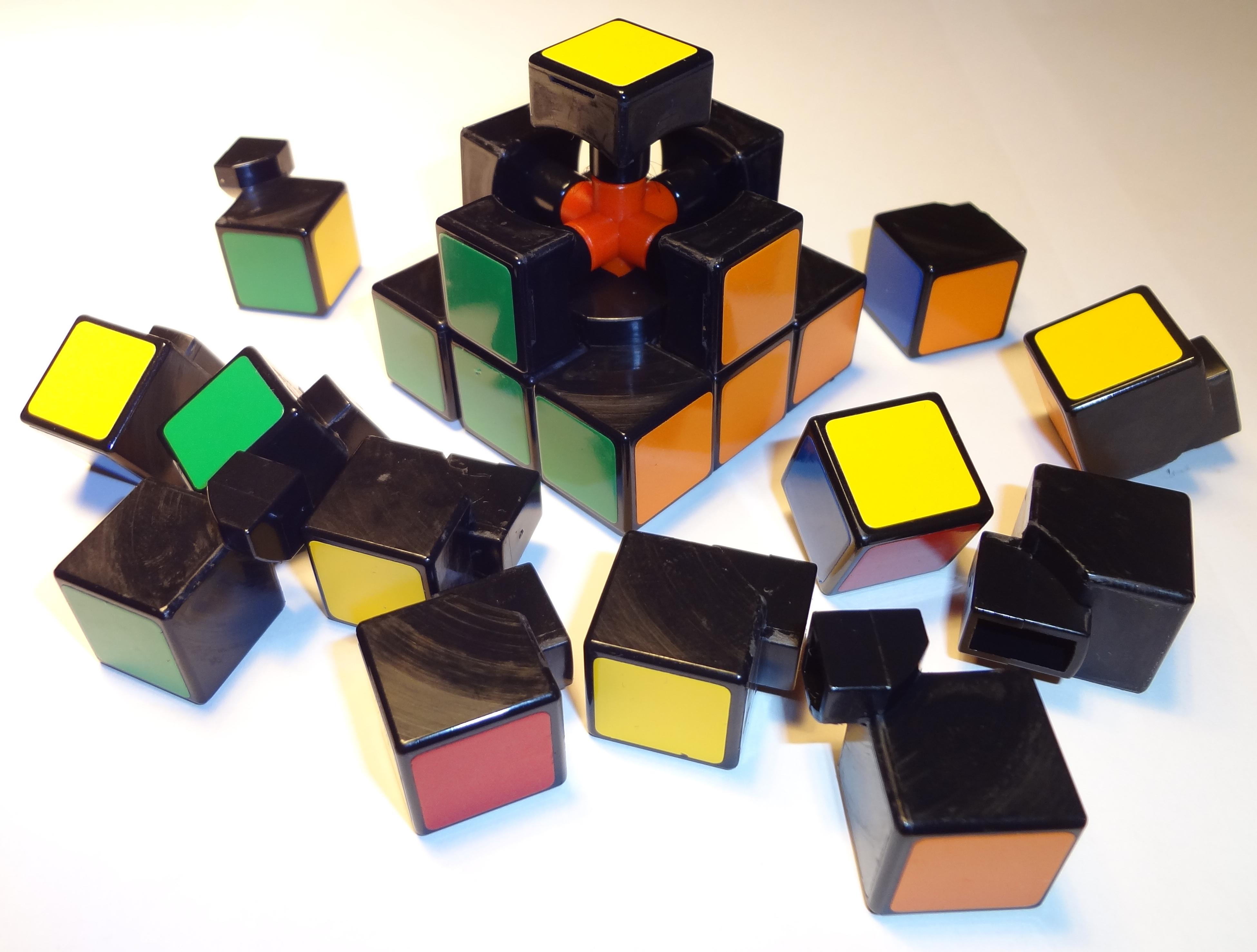 [Image: Rubiks_cube_inside.JPG]
