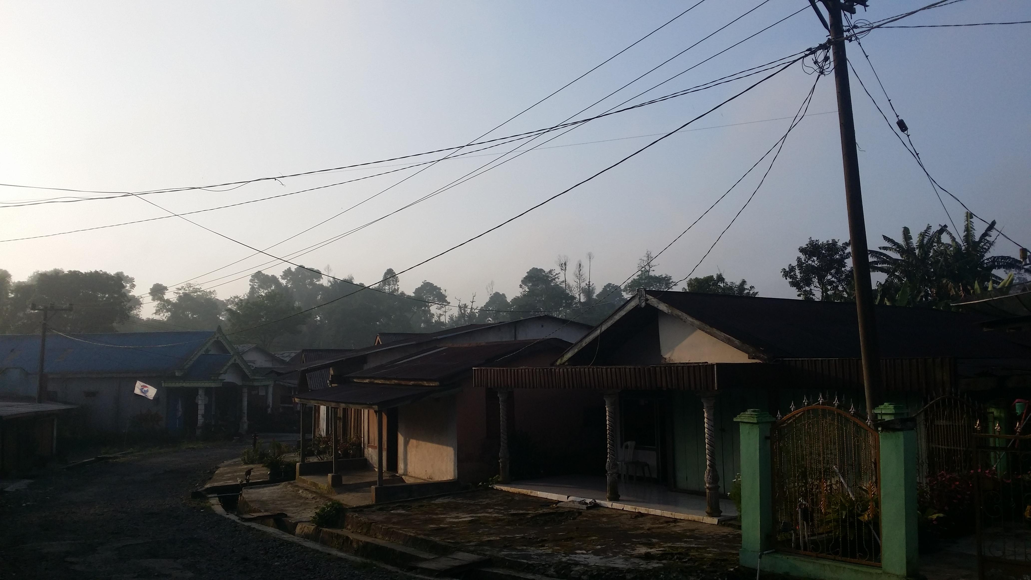 File:Rumah Simpang Tiga Desa Bengko.jpg