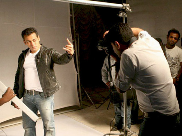 Salman Khan Ready Wallpaper File:salman Khan on The Sets