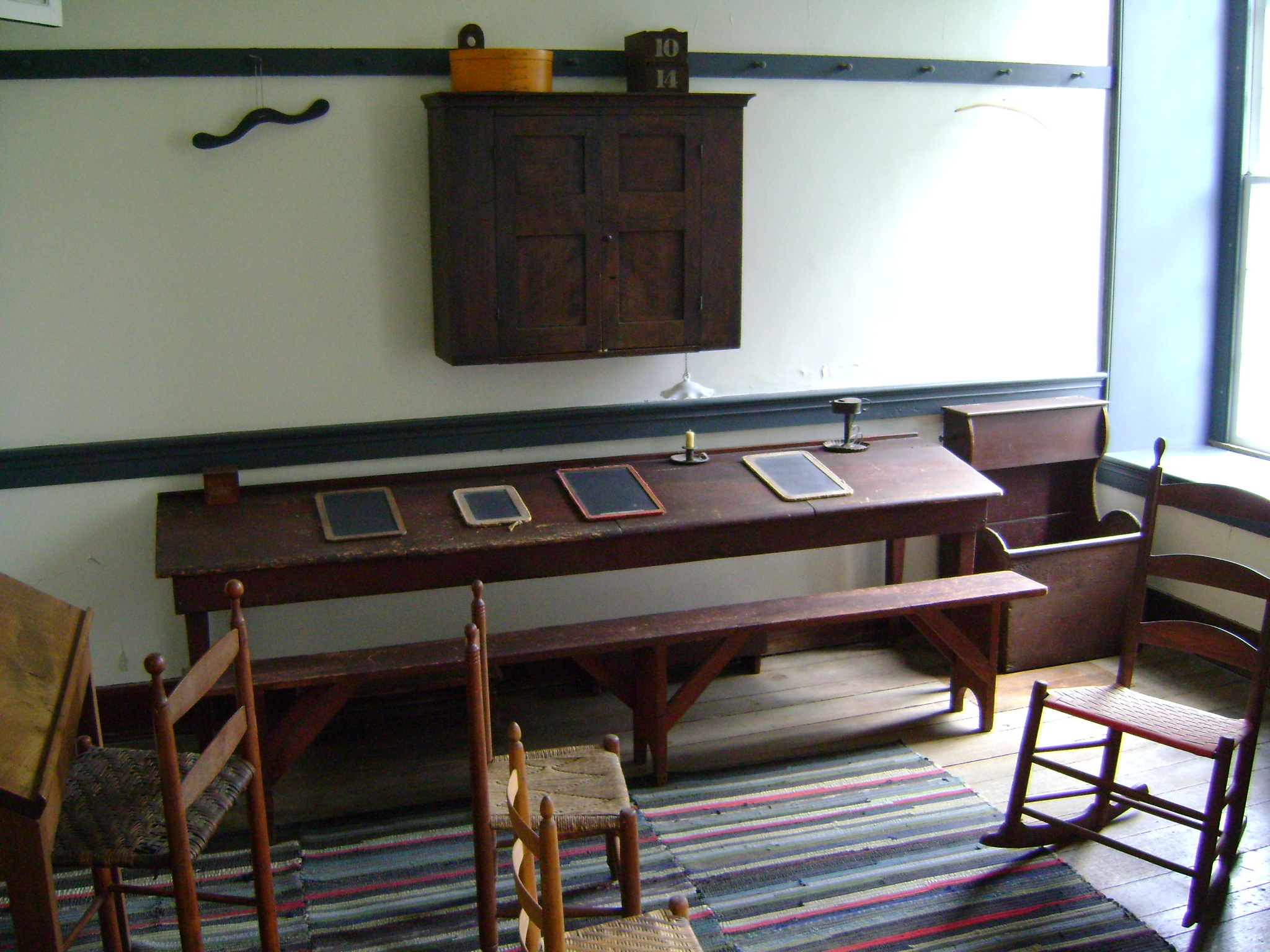 File:Shaker Student Furniture.JPG