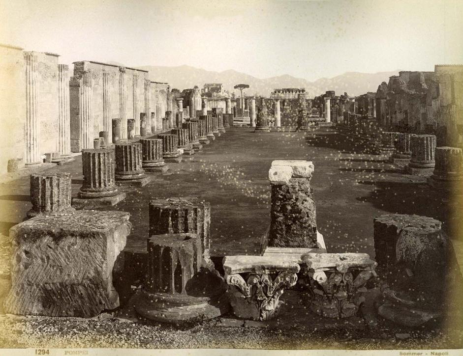 http://upload.wikimedia.org/wikipedia/commons/b/bc/Sommer,_Giorgio_(1834-1914)_-_n._1294_-_Pompei.jpg