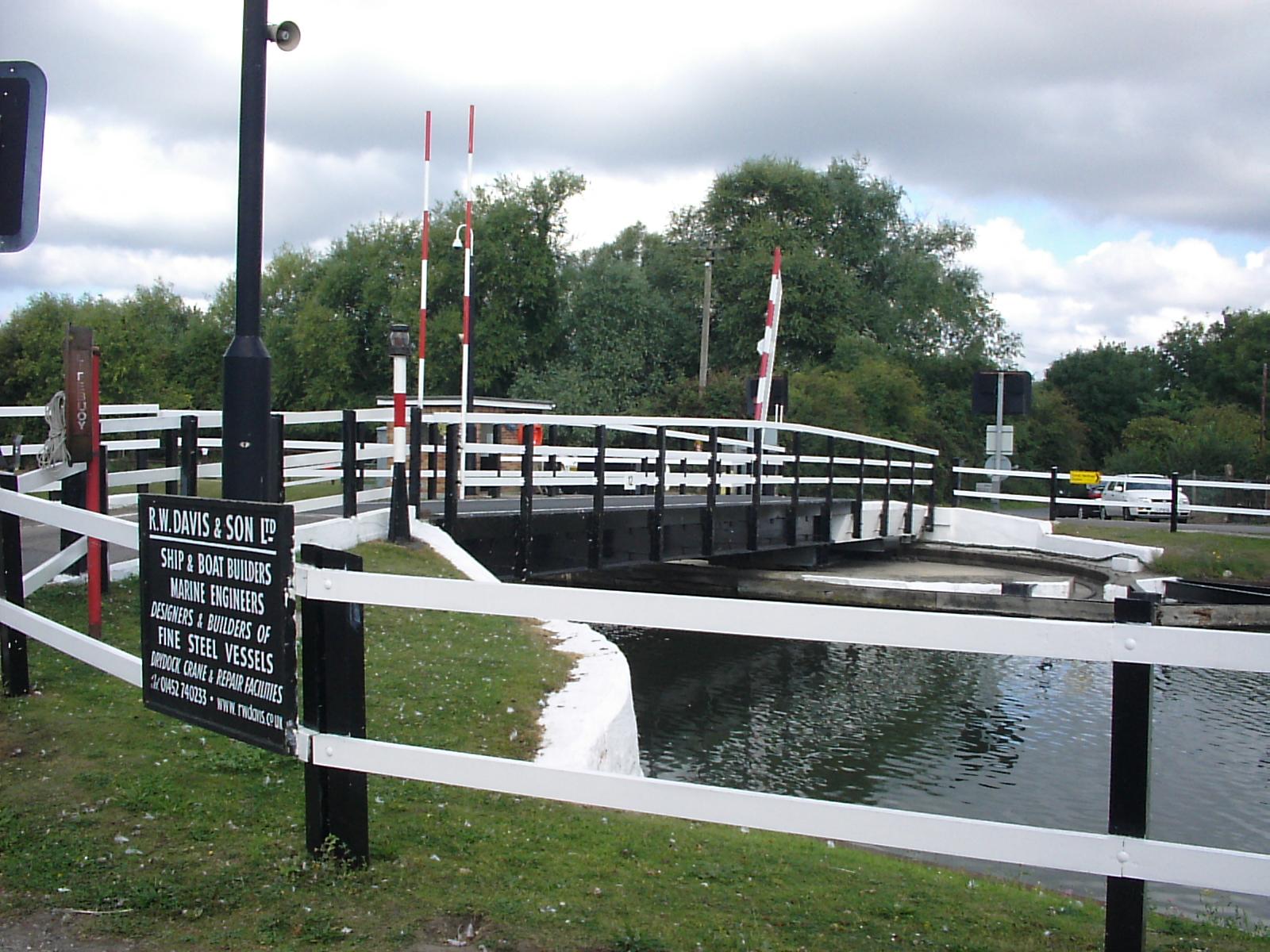 Swing bridge, Church Lane, Saul - geograph.org.uk - 103381