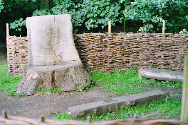 Teaching seat, Spring Wood, Whalley - geograph.org.uk - 58921