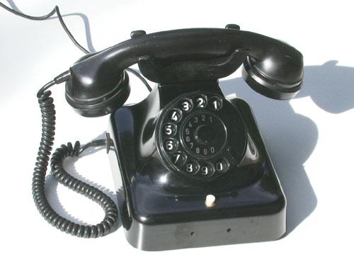 https://upload.wikimedia.org/wikipedia/commons/b/bc/Telefon04_1.jpg