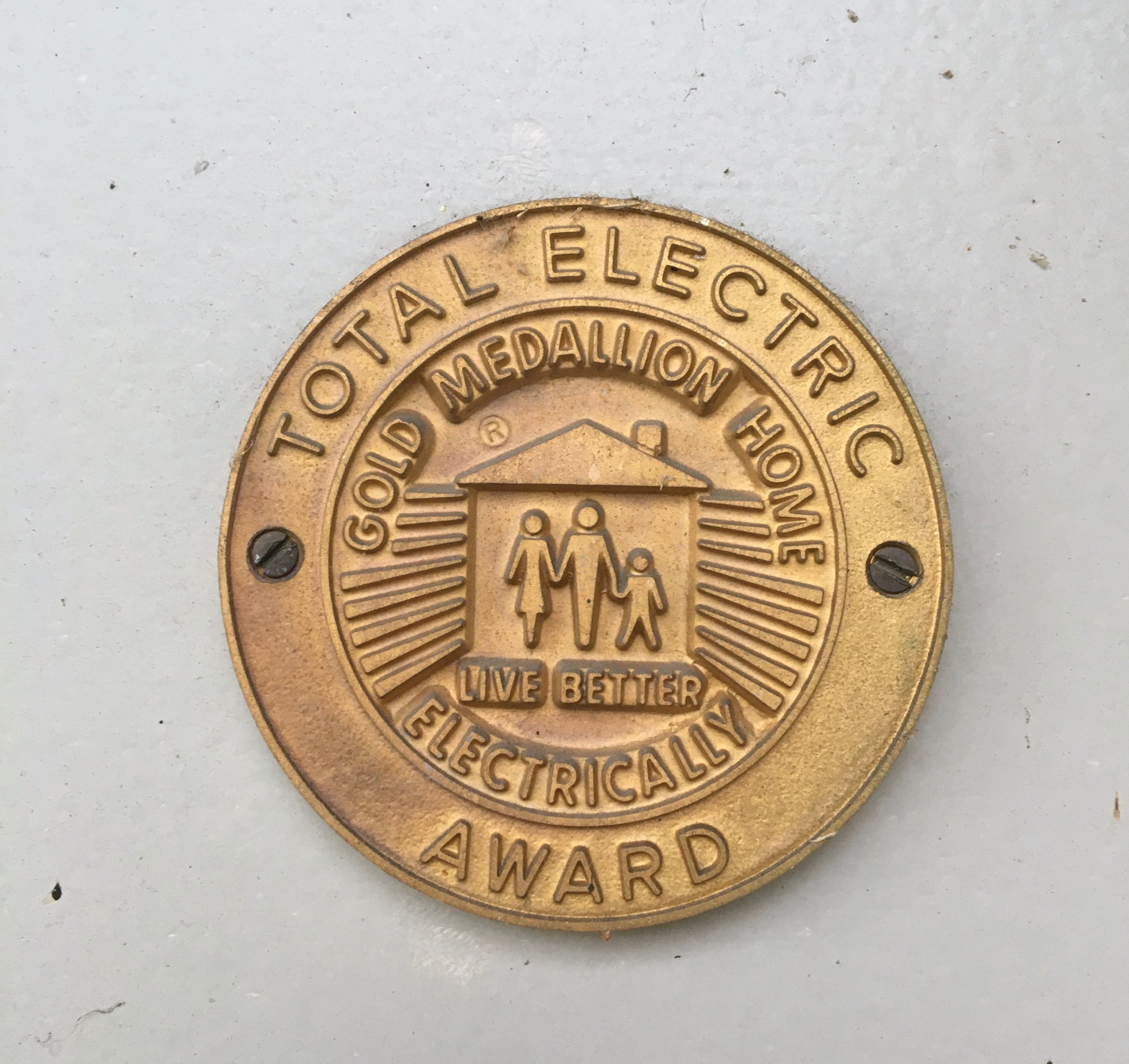 File Total Electric Gold Medallion Home Electrically Award Jpg Wikimedia Commons