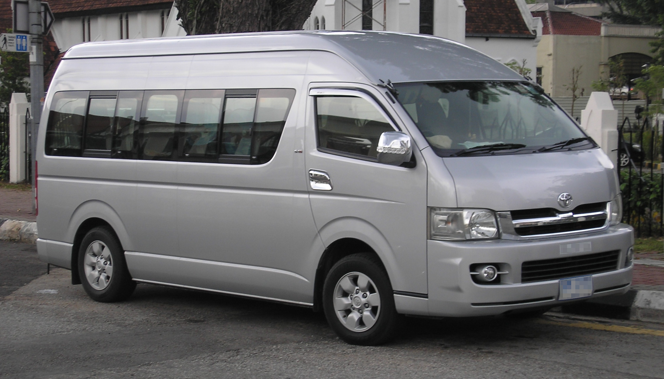 解説 Toyota Hiace (fifth generation) (Grand Cabin) (front), Kuala