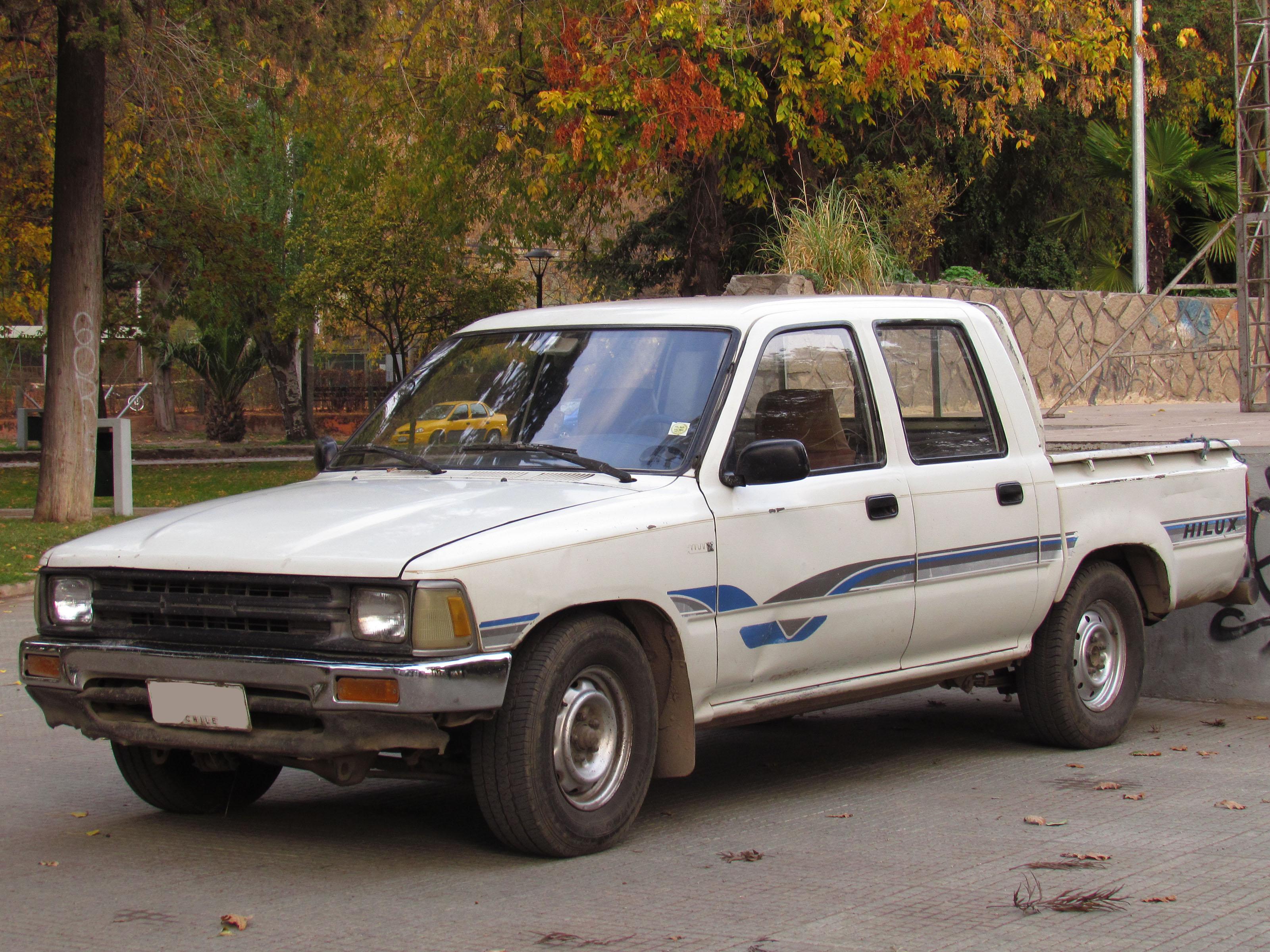 File Toyota Hilux 1 8 1992 15033354909 Jpg Wikimedia