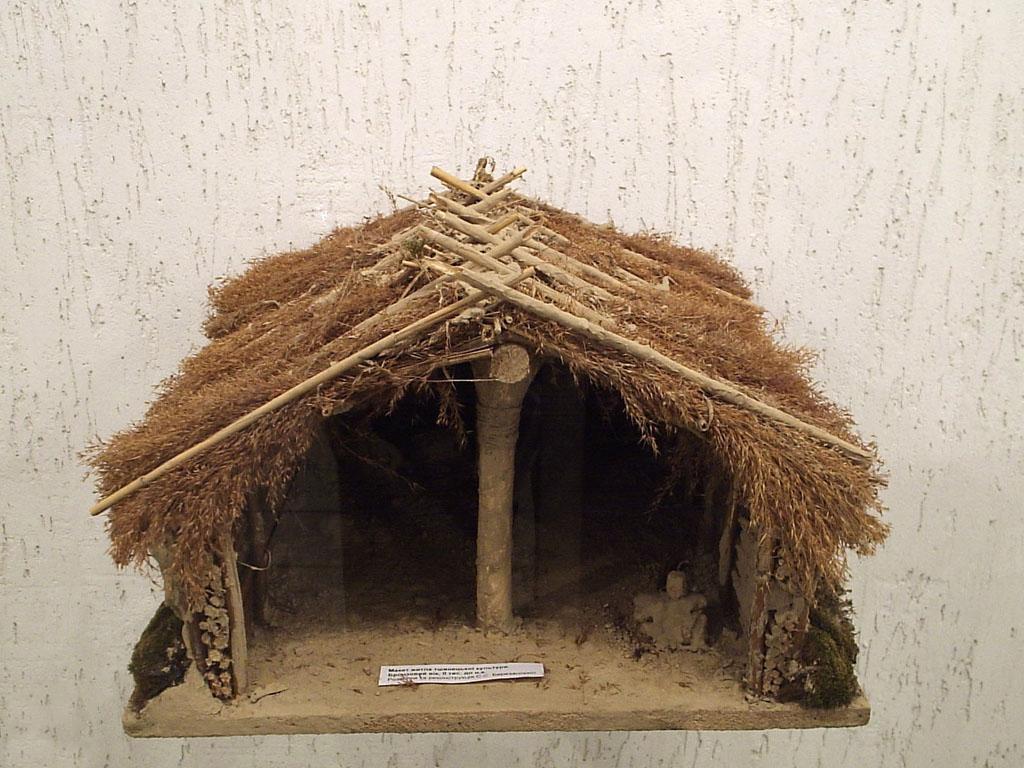Maqueta de una casa del periodo Neolítico.