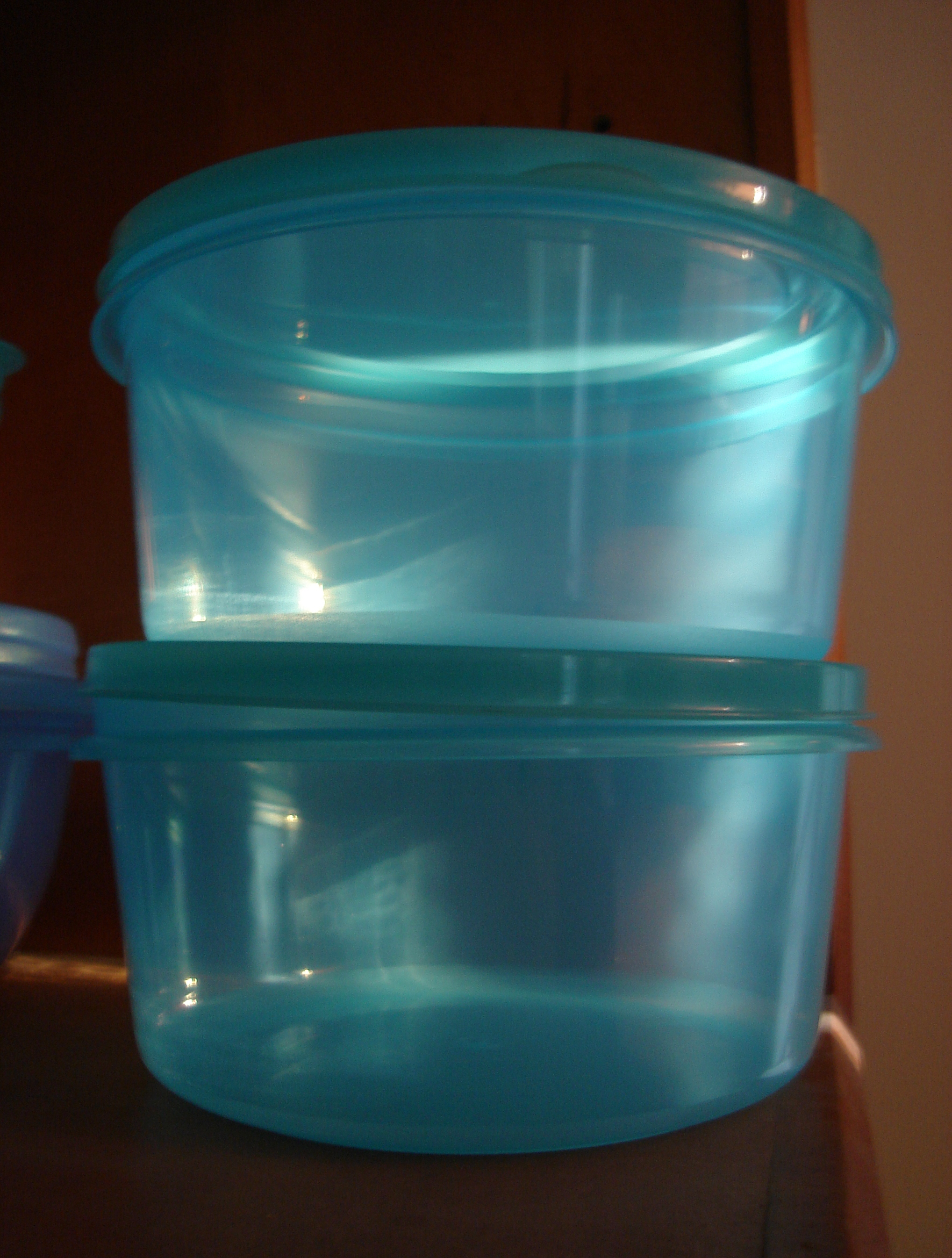 Filetupperware Translucent Blueg Wikimedia Commons