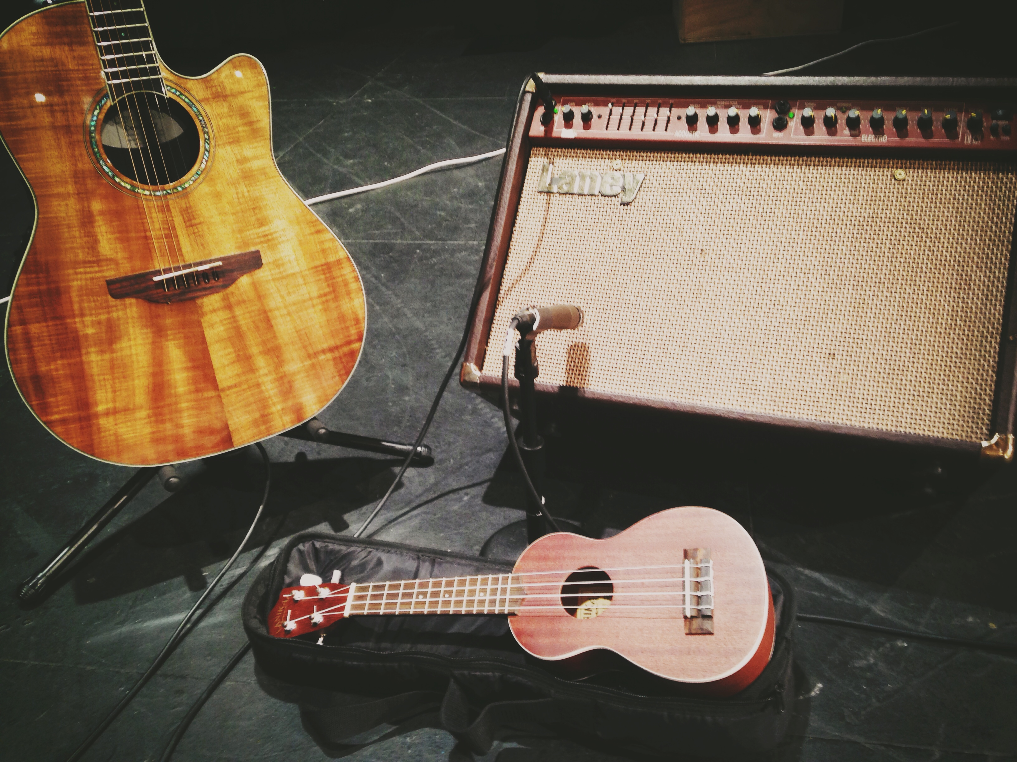 File:Ukulele, Guitar, and Laney amp on worship - 2014-12-21 (by ...