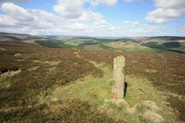 Upright Stone on Win Hill - geograph.org.uk - 1293430