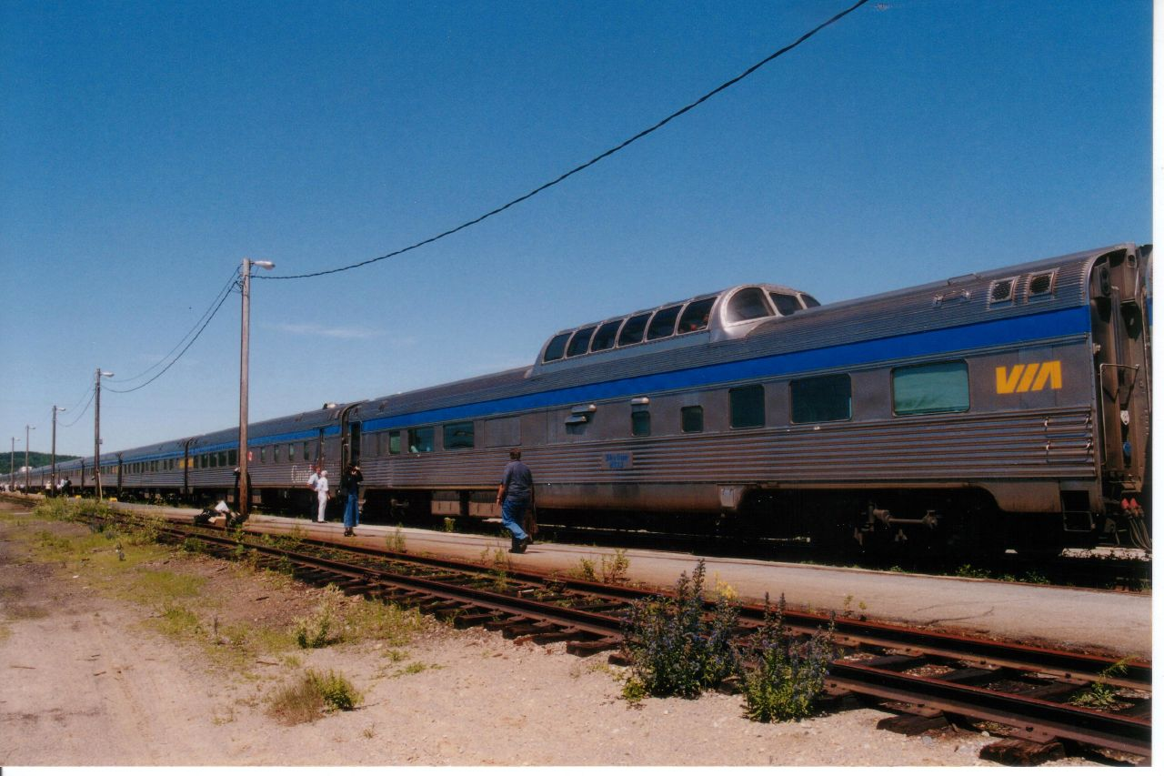 VIA Passenger Train2.jpg