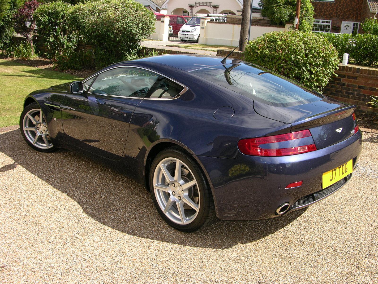 Superb File:2006 Aston Martin V8 Vantage   Flickr   The Car Spy (22)