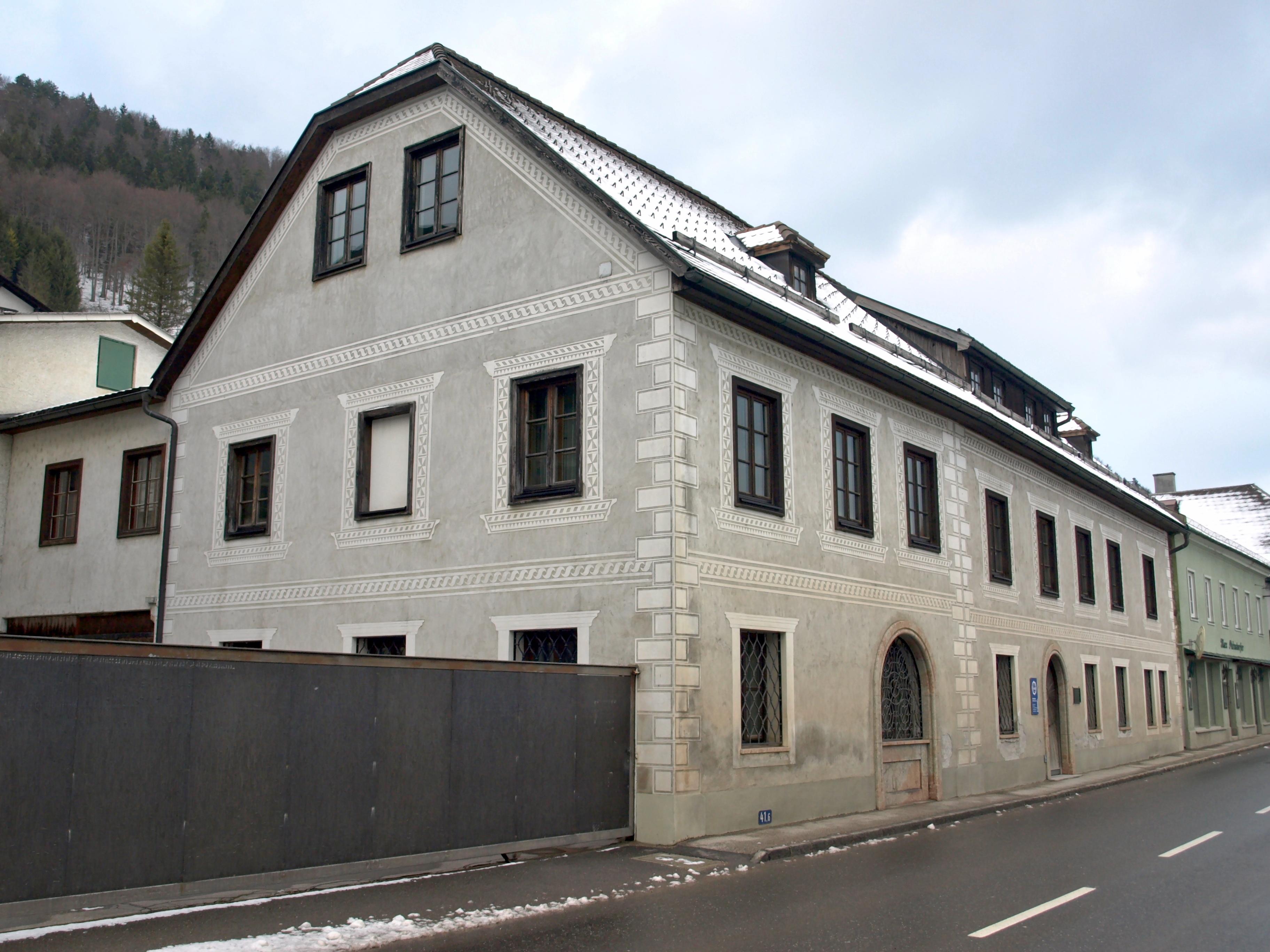 File:2012.01.15 - Weyer62 - Bürgerhaus, Wachszieherhaus ...