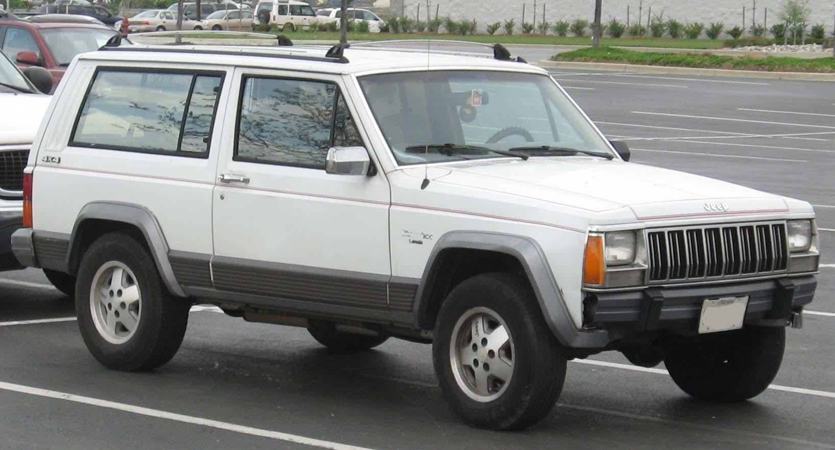 2007 Jeep Grand Cherokee Laredo >> File:84-96 Jeep Cherokee 2door.jpg - Wikipedia