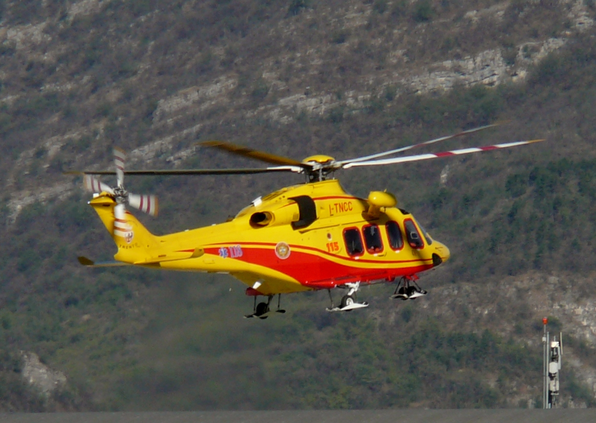 Elicottero H 139 : File agustawestland aw a trento g wikimedia commons