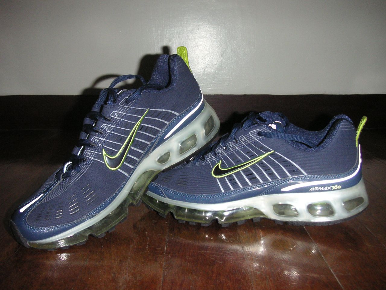 Nike Air Max Motion Shoes