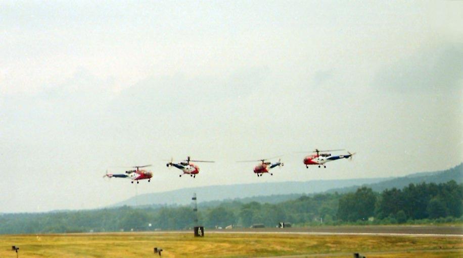 Alouette III Grasshoppers Ramstein 1984.jpg