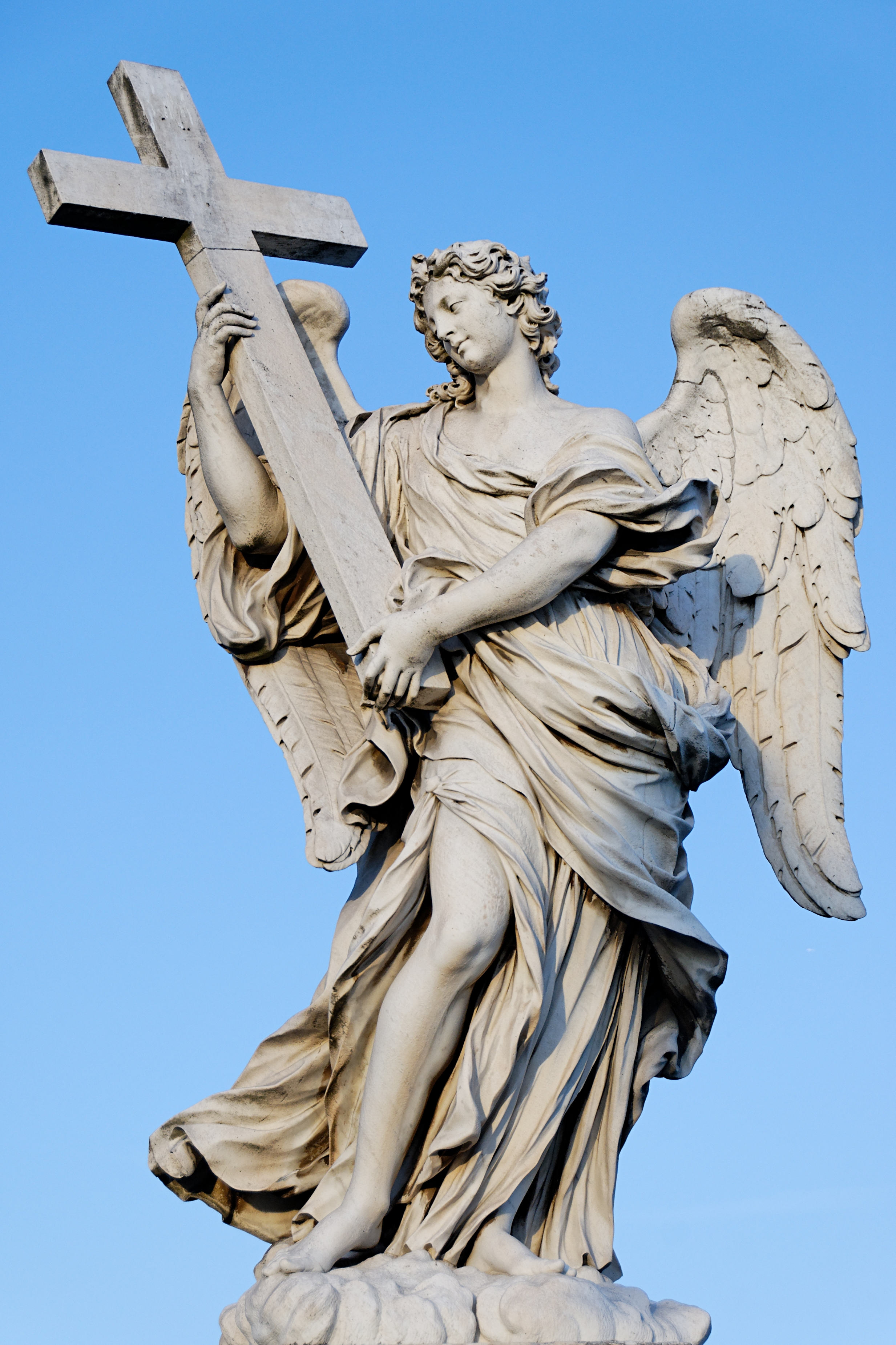 Description Angel Ponte Sant Angelo cross.jpg