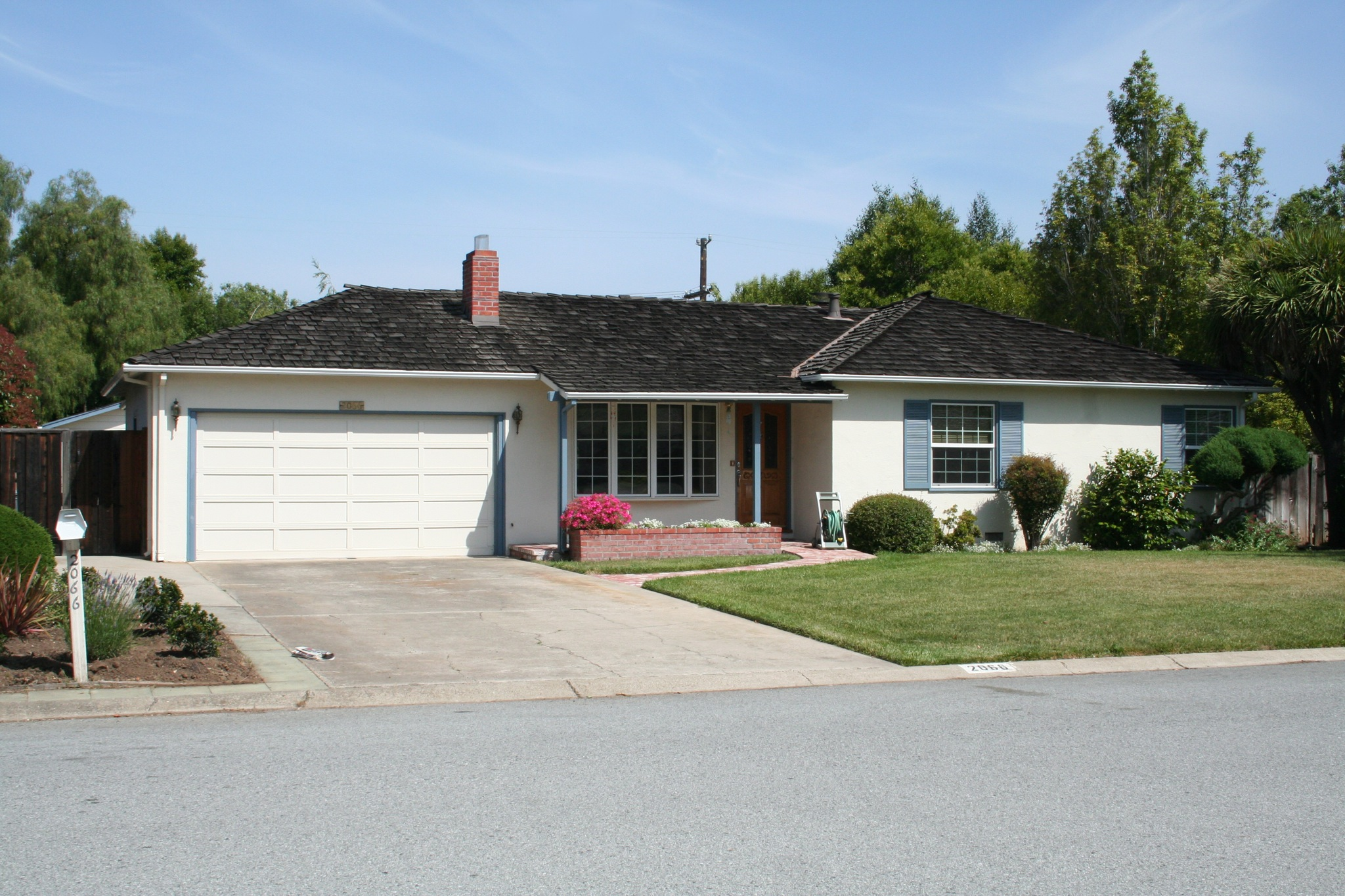 Home of Paul and Clara Jobs, on Crist Drive in Los Altos, California. Steve Jobs formed Apple Computer in its garage with Steve Wozniak and Ronald Wayne in 1976. Wayne stayed only a short time leaving Jobs and Wozniak as the primary co-founders of the company.