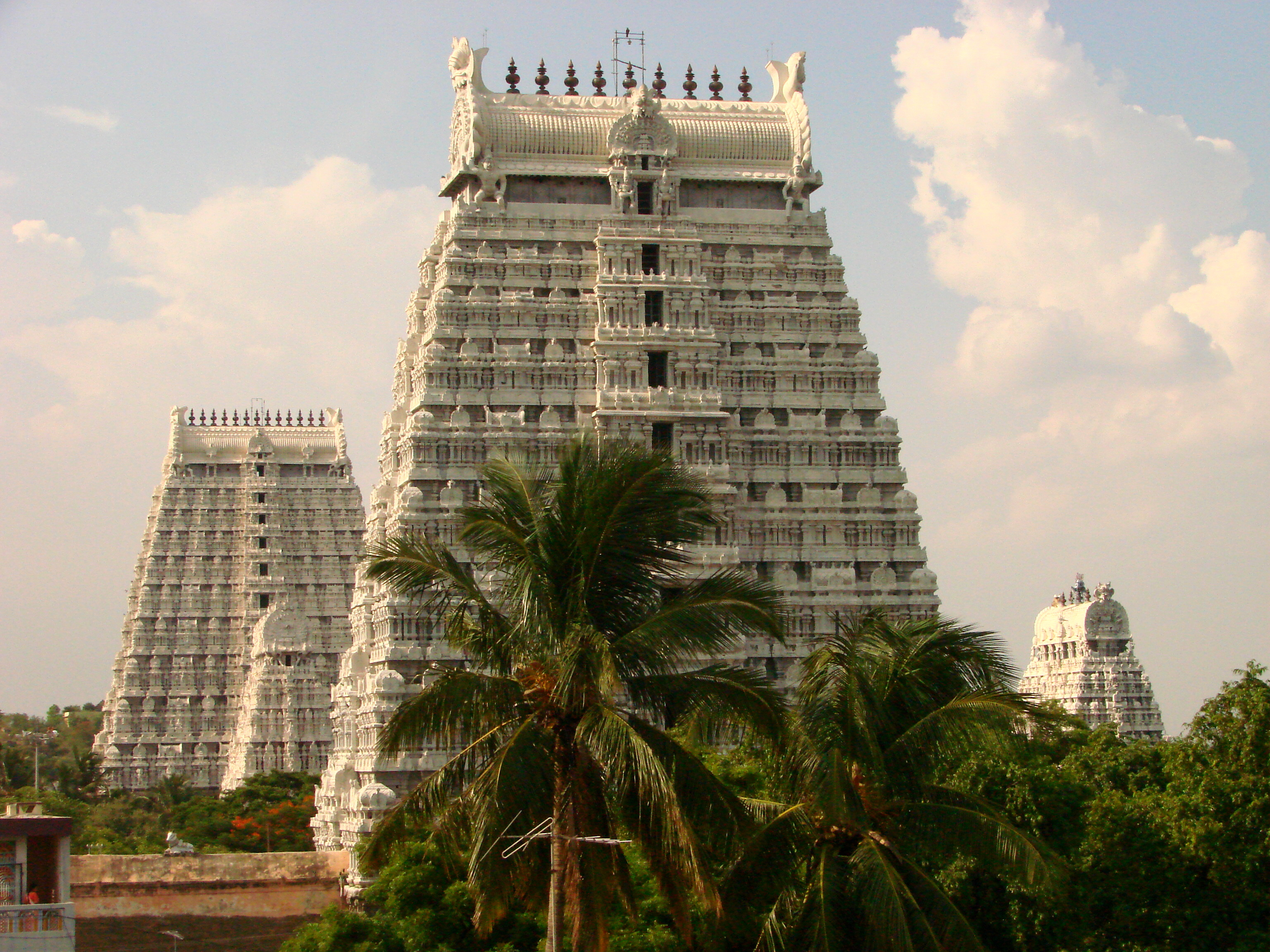Description Arunchaleshvara Temple - Tiruvannamalai - India 02.JPG