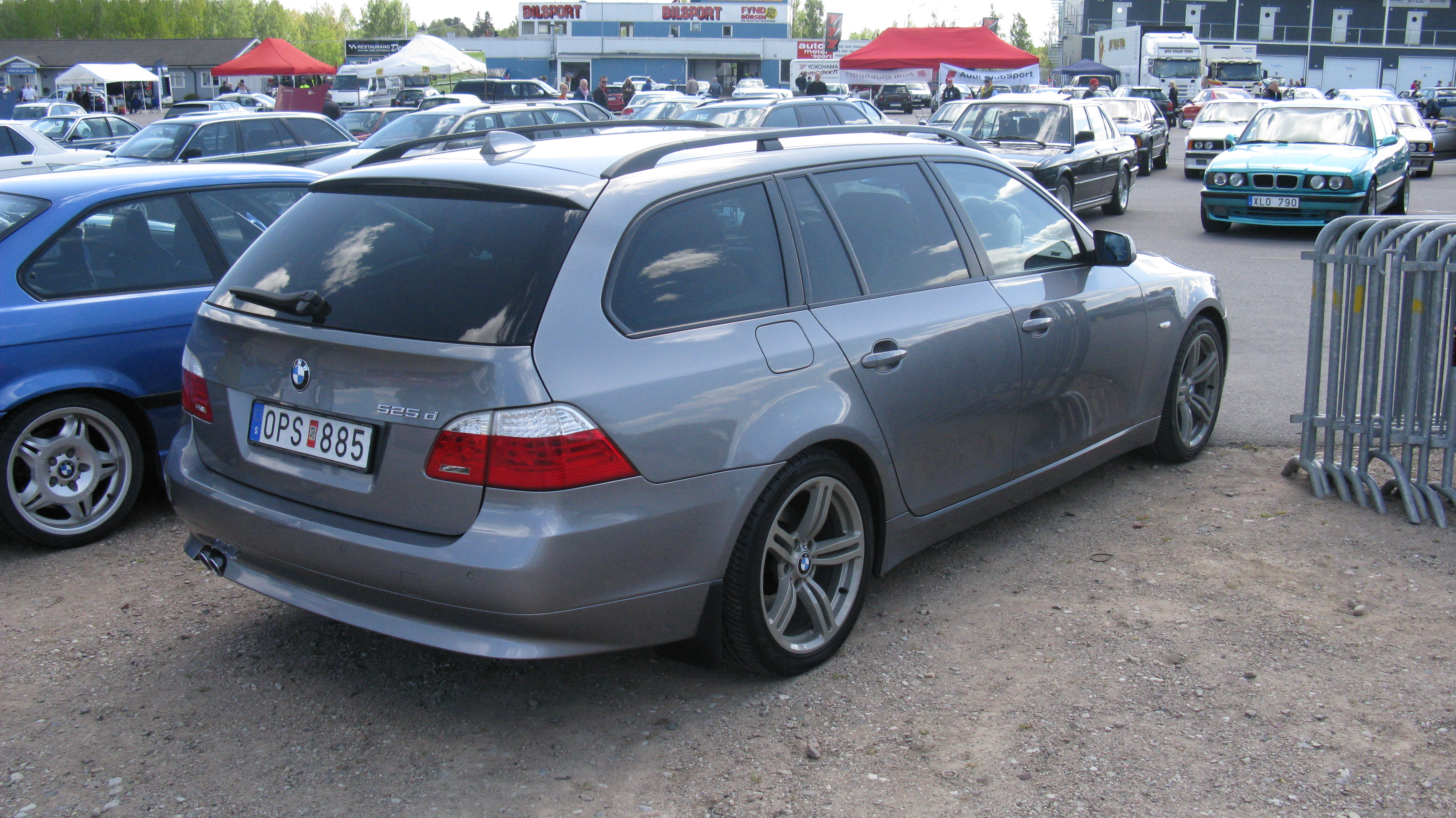 file bmw 525d touring 3547435628 jpg wikimedia commons. Black Bedroom Furniture Sets. Home Design Ideas