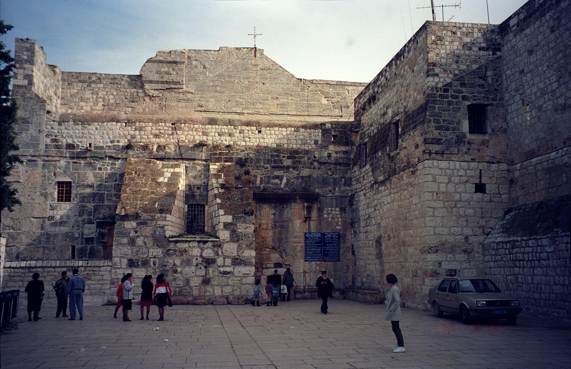Průčelí baziliky Narození v Betlémě