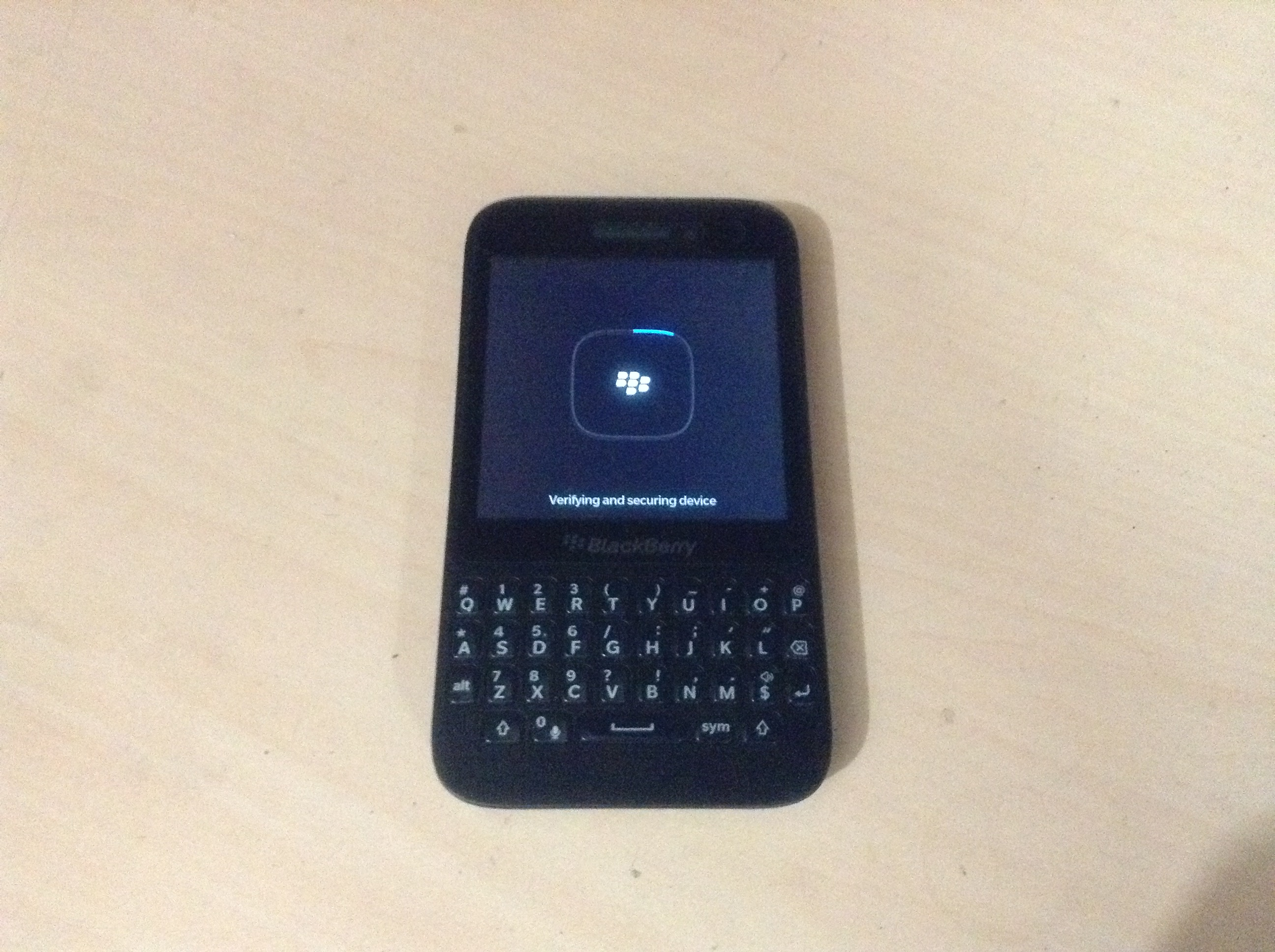 File:BlackBerry Q5 jpg - Wikimedia Commons