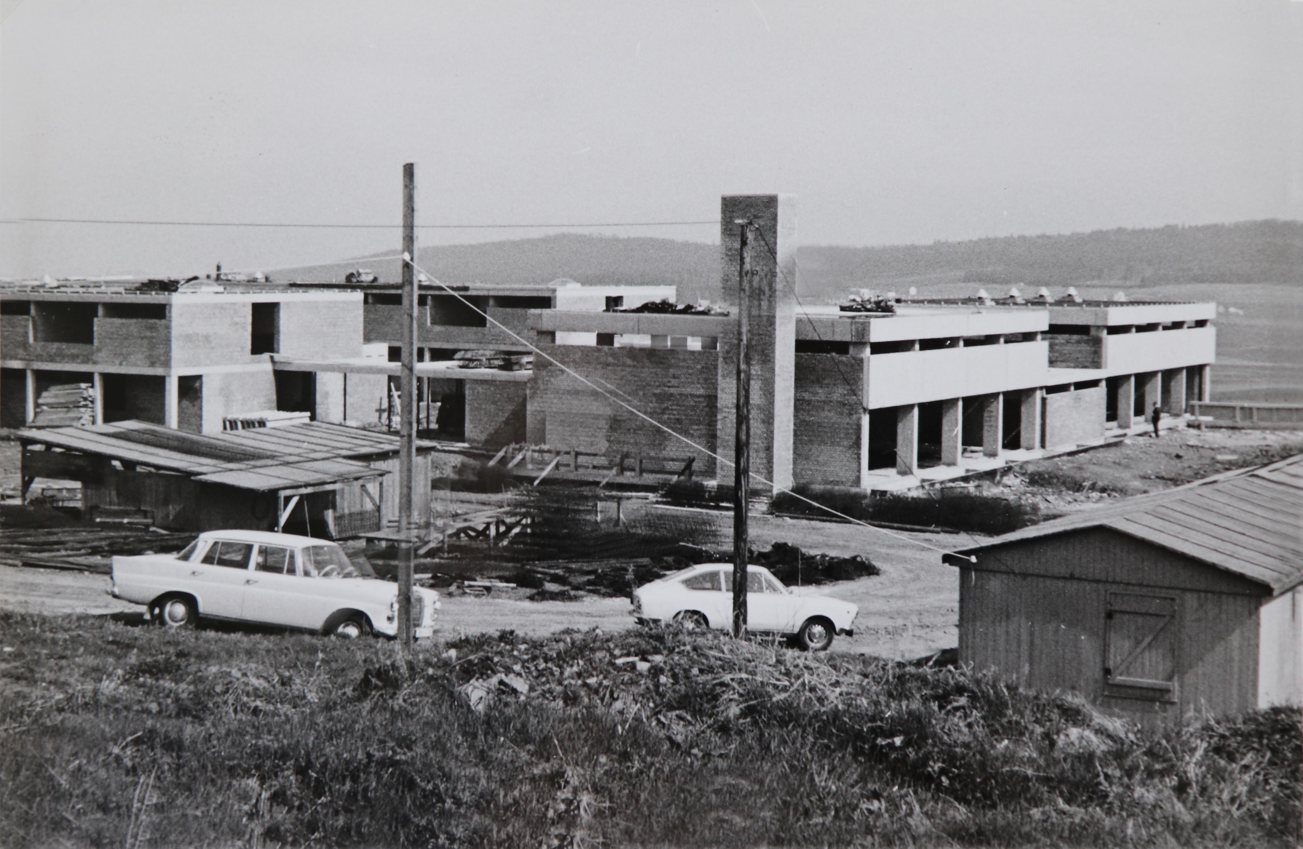 Dateiblick Auf Die Bauarbeiten Der Edelsteinklinik Um 1970 Foto