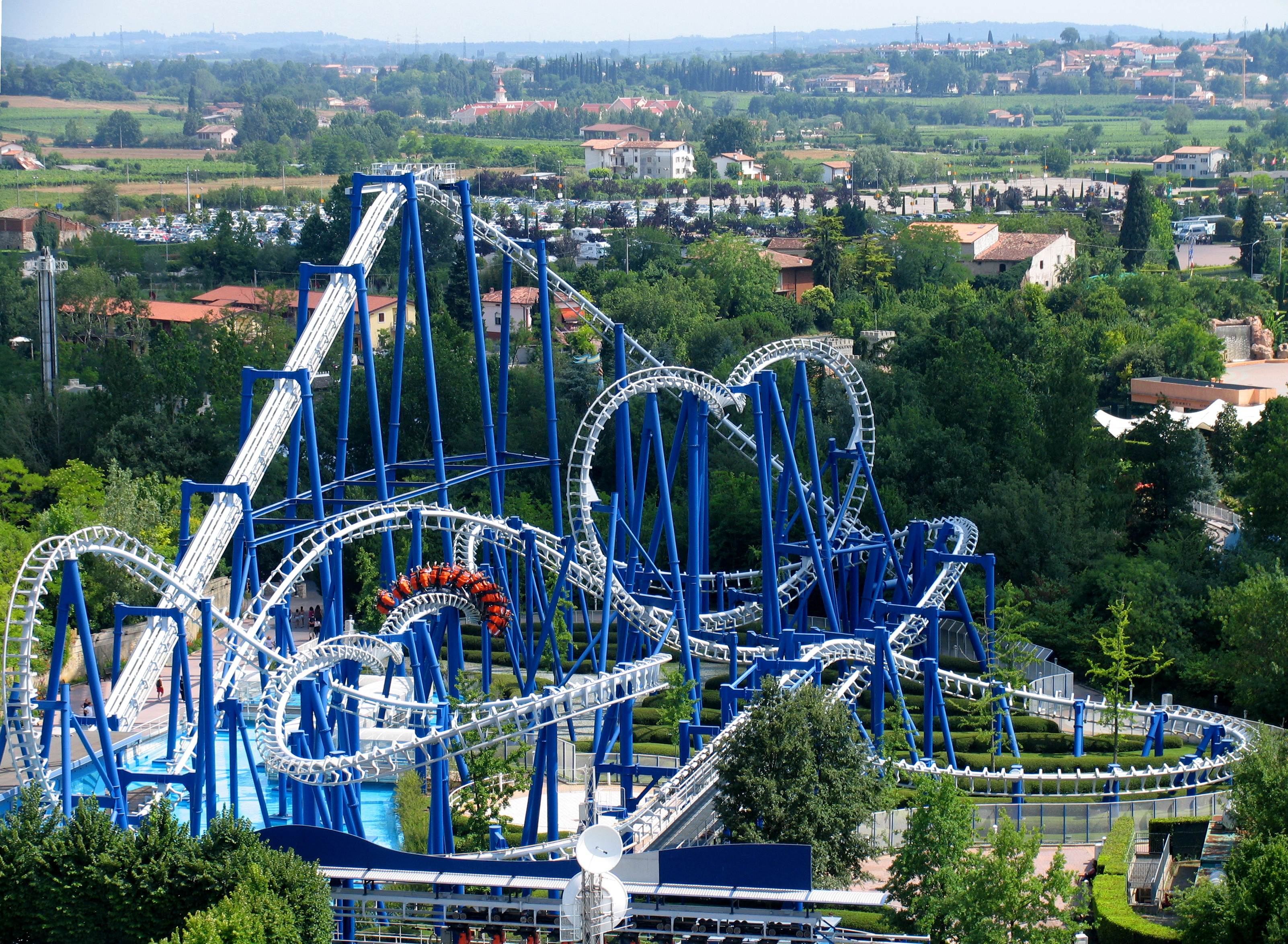 Suspended Looping Coaster - Wikipedia
