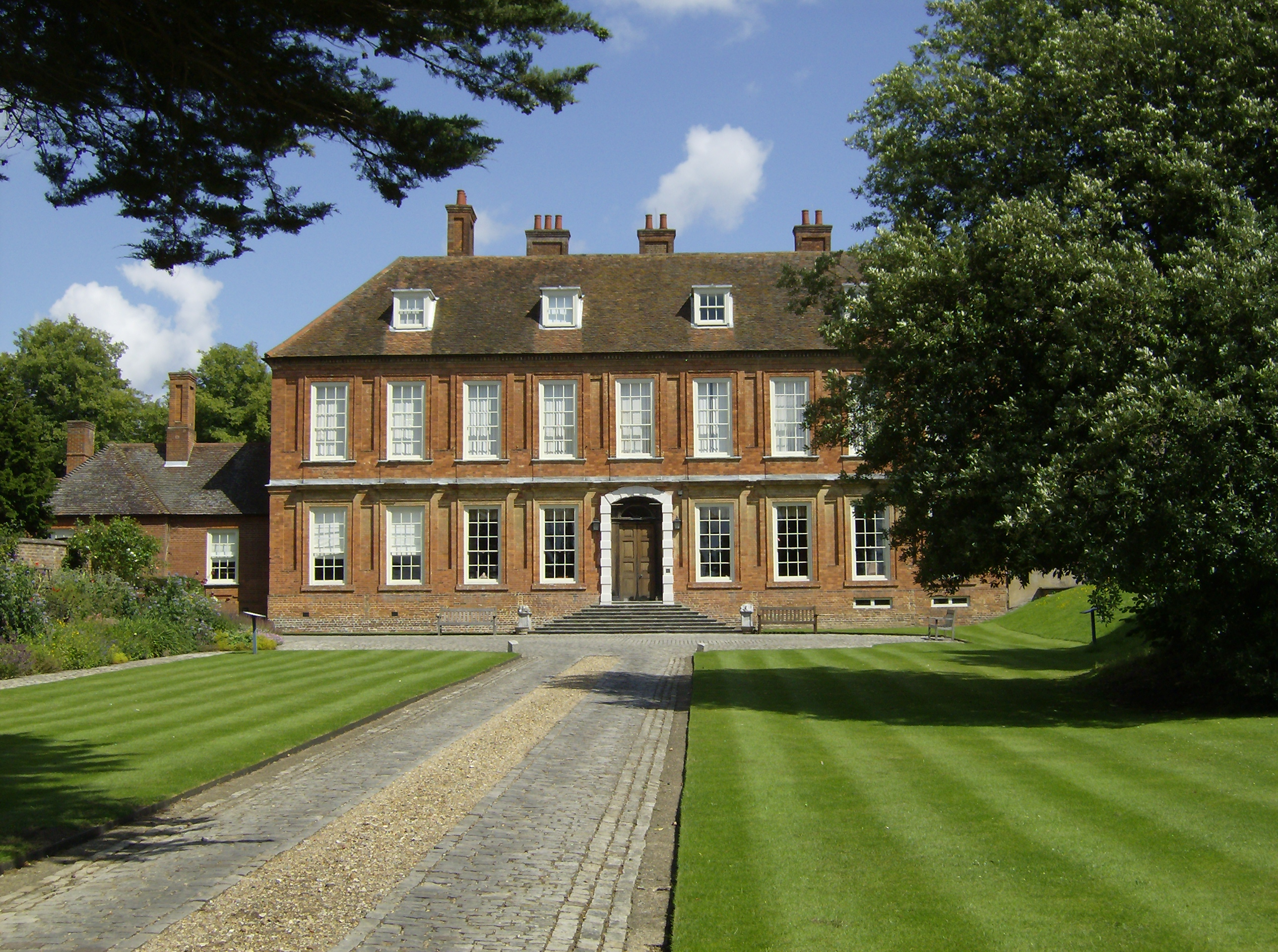 File Bradenham Manor Jpg Wikipedia