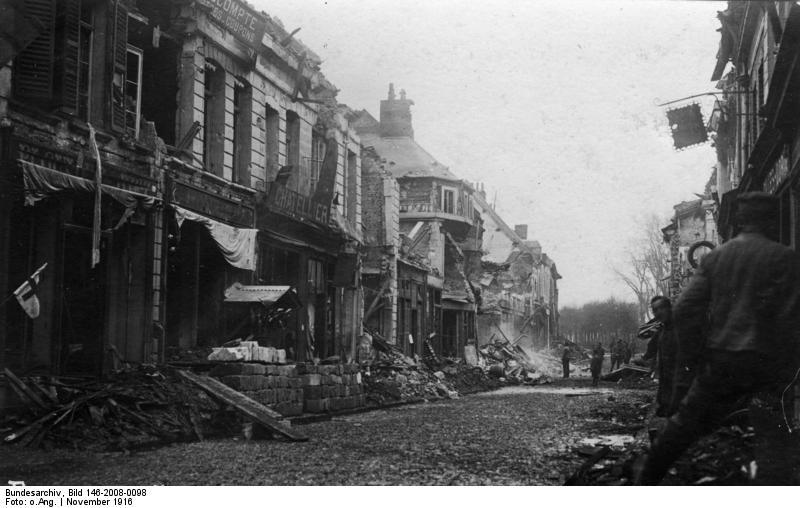 File:Bundesarchiv Bild 146-2008-0098, Frankreich, Bapaume, Zerstörungen.jpg